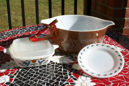 Corning Country Festival & Pyrex Woodland & Green Leaf  Tableware Resized
