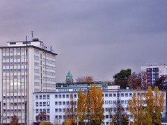100_3742_photomized (colin2k) Tags: city tower skyline skyscraper hessen frankfurt main fra frankfurtammain mainhatten hochhaus wolkenkratzer frankfurtam rheinmaingebiet