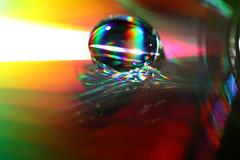 Wassertropfen (pixelcoast) Tags: licht wasser cd bunt regenbogen farben wassertropfen tropfen spektrum spektral lichtreflektion waterdropsmacros