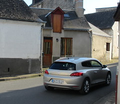 Volkswagen Scirocco III 2.0 TDI de 2009 8473 YD 37 - 5 mars 2014 (Rue de la Vallée du Lys - Thilouze) (Padicha) Tags: auto new old bridge france water car electric truck river french march coach ancient automobile eau indre police voiture rest former 37 nouveau et loire français nouvelle vieux vieille ancienne ancien fleuve nationale vehicule électrique gendarmerie indreetloire française épave nouveauté véhicule utilitaire restes worldcars letramdetours padicha