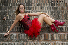 Davinia (Jose Luis farfan) Tags: davinia farfan modelo model chica girl mujer woman rojo rubia corset piedra ladrillo botines