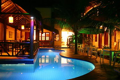 Hotelzim...  =^^= (Anna Carvalho.) Tags: light brazil anna color colour luz colors pool brasil paraty cores lights hotel photo colours foto piscina paula luzes cor pousada carvalho