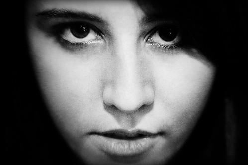 フリー画像| 人物写真| 女性ポートレイト| ラテン系女性| モノクロ写真|       フリー素材|
