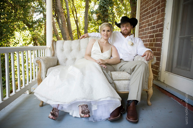 cowboy vintage wedding at heirloom inn