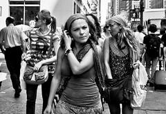 entourage (mo0nz) Tags: nyc blackandwhite newyork canon streetphotography 450d rebelxsi 18mmf3556