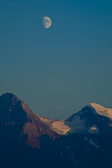 IMG_8595 (@robynw) Tags: sunset moon canada mountains canadian alberta banff rockymountains banffnationalpark parknature rockiescanadanational