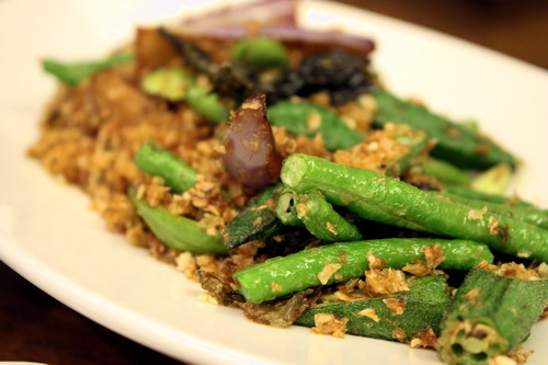 Purple Cane Tea Restaurant Stir-fried Vegetables 4 in 1 with Minced Pickles and Tea