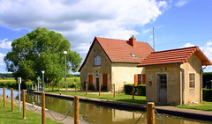 France Bourgogne Le Lorraine 42 (Lucky B) Tags: france pniche barge bougogne