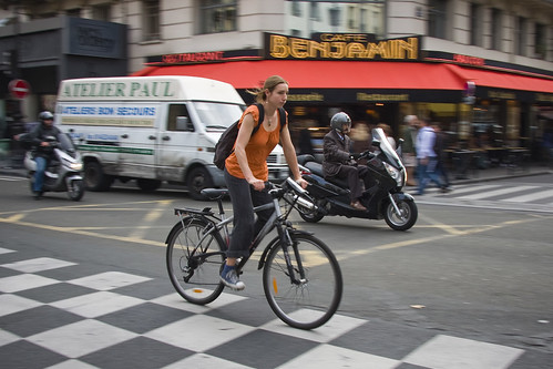 Paris Cycle Chic - Orange