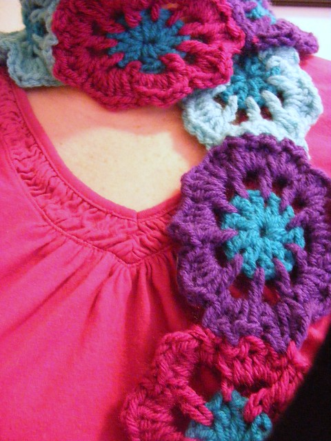 CROCHET SCARF WITH FLOWER PATTERN FREE PATTERNS