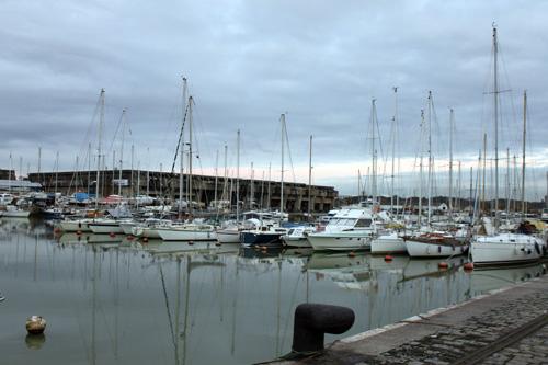 Actuellement, le port compte 170 places. Peut-être plus avec larrivée de nouveaux pontons.