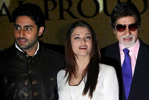 Photo of the three Bachchans