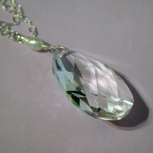 Cut Glass Drop Necklace with Rice Pearl