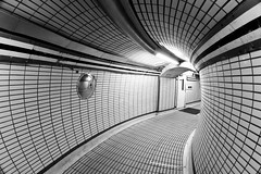 London Revisited - Underground (Ender079) Tags: london lines underground subway metro circles tube tunnel explore londres tunel frontpage tottenhamcourtroad tcr lineas circulos superaplus aplusphoto peleng8mm35fisheye canoneos450d
