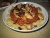 Pasta met geroosterde paprika- en tomatensaus
