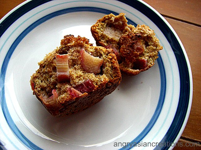 sourdough rhubarb muffin