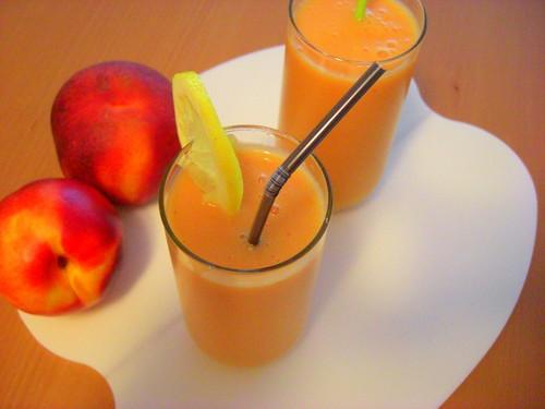 Nectarine smoothie