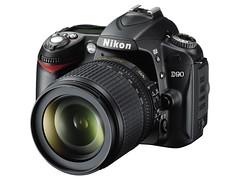 Nikon D90_18_105VR_frt34l_l