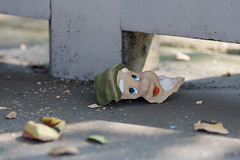 Broken gnome (The Wolf) Tags: broken smile gnome pieces kabouter zoutkamp scherven stuk kapot frtg
