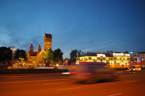 Площадь Незалежнасци и Красный костел