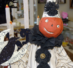 Halloween Clown (contrarymary) Tags: halloween pleasanton vintagetreasures americanharvest deefaust