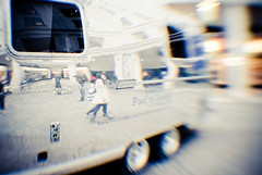 Bus (Ly (Lyanne Wylde Photography)) Tags: people london lensbaby reflections happy shiny coventgarden f4 aluminium thanksspud lyannewylde hatethatsong almostasbadaslighthousefamily