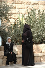 burqas at mount nebo (Debarella) Tags: hijab jordan niqab day18 kingsway dustsand roadtopetraandwadimusa