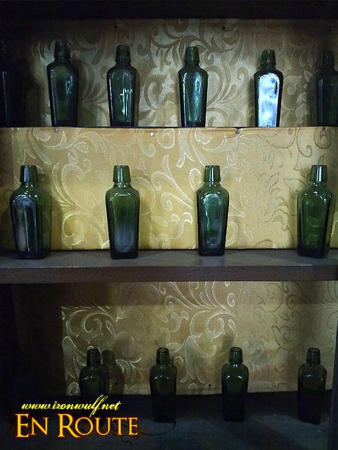Taal Town N82 Tortuga House Bottles