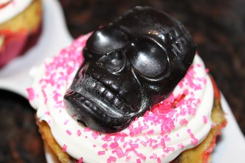 skull black side