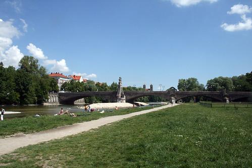 Blick auf die Wittelsbacher Brücke