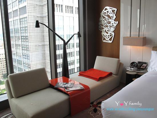 IMG_8062 w-hotel room