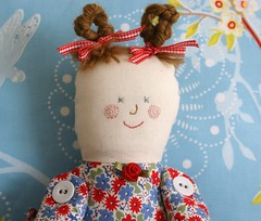 Leentje (dutch blue) Tags: face doll embroidery buttons fabric cloth clothdoll