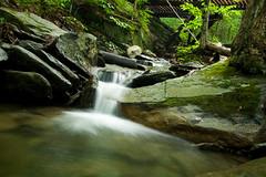 ruisseau longue exposition (kaliko81) Tags: canon trail 1022mm sentier longueexposition xti glensutton
