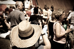 you can leave your hat on... - explored #239 (Dennis_F) Tags: camera hat sony hut photograph dslr karlsruhe dasfest kamera strohhut a700 alpha700 fz28