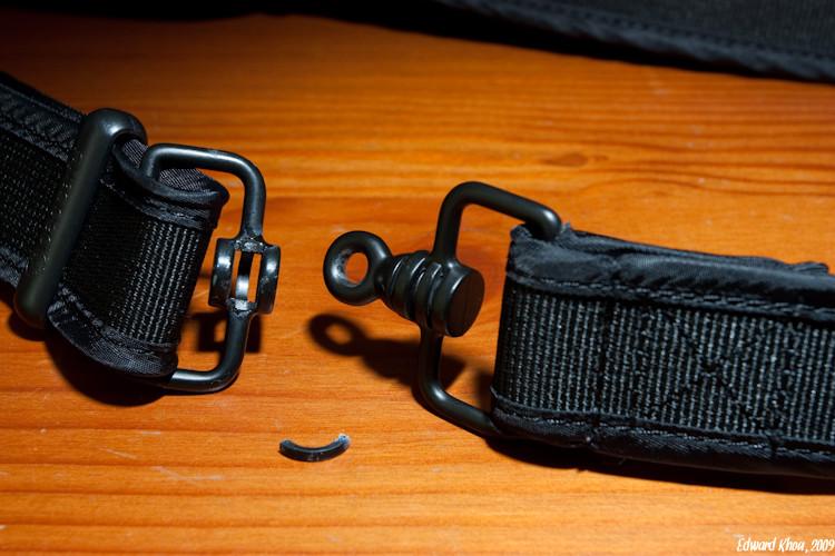 Pacsafe CarrySafe 200 Shoulder Strap