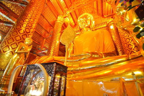 The Huge Golden Buddha