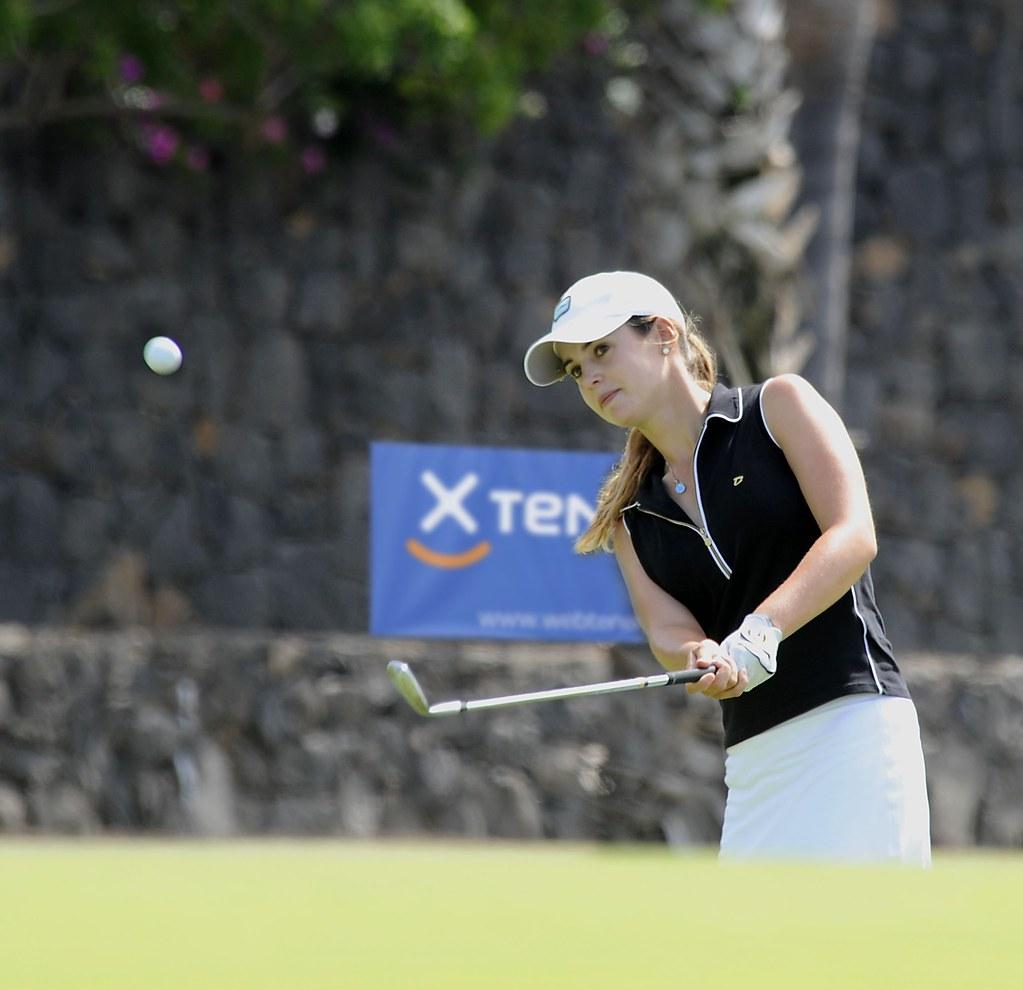 beautiful woman blog: female golfer beatriz recari photos