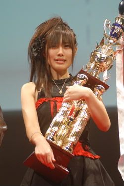090925 - ANIMAX頻道主辦的「2009年第三屆日本動畫歌曲大獎賽」由27歲日本參賽者「佐々木紗花」奪下冠軍