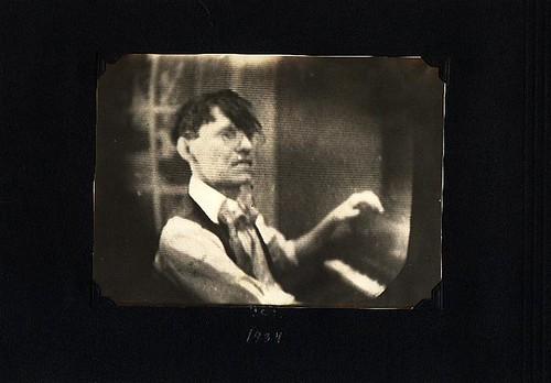 1934p22