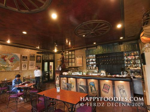 Kuatro Kantos Cafe Interiors