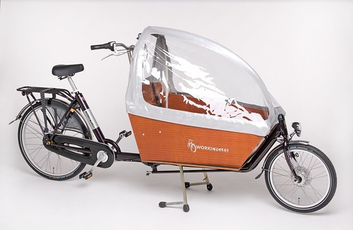 workcycles-cargobike-violet 1