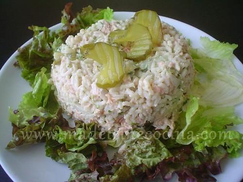 Ensalada de arroz y atún