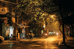 m ng 03 (Duc_Sla / www.DUCTRAN.vn) Tags: street cold film vietnam midnight hanoi fuji200 hanoicorner vietnaminfilms ducsla hangvai