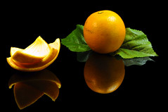 Fresh Florida Orange (Carlos Porto) Tags: food orange fruit florida drink fresh tropical leves peeled vitamin leav