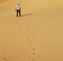 Mithi - Thar Desert, Pakistan (Ameer Hamza) Tags: pakistan light people man weather standing foot stand sand focus solitude day photographer desert mud dunes islam sharp marks prints markings raja thar expanse ppa