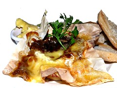 Whole Baked Camembert (Grete Howard) Tags: food cooking dinner lunch yummy essen yum eating cook tasty delicious mat chef scrumptious recipes gastronomique mittagessen spise mittag gormet gormand