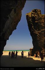 Recortando cielos (MONCHO REY) Tags: blue shadow sky sun sol praia beach azul day pentax perfil sunday sunny sombra playa explore galicia cielo da domingo acantilado rocas descanso catedrales ascatedrais soleado lascatedrales catedrais amaria recortando k20d monchorey monarq78