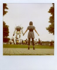 holding your hand I feel I'm super powerful!! (Jersey Yen) Tags: summer polaroid jersey nippon odaiba holdinghands gundam expired slr680  779 july31st2009 itsespeciallyforyoutokisan tookbyken
