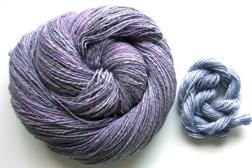 7oz ~ 622yds, 3-ply, Falkland-South African Fine blend-with 32 yds navajo plied South African Fine