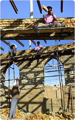 (Reza-ir) Tags: people work iran documentary social khorasan ايران مردم كار مستند خراسانرضوي اجتماعي taibad عكسمستند عكستركيبي تايباد بنايي